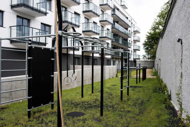Zewnętrzny crossfit | Osiedle STO10 Chylońska w Gdyni